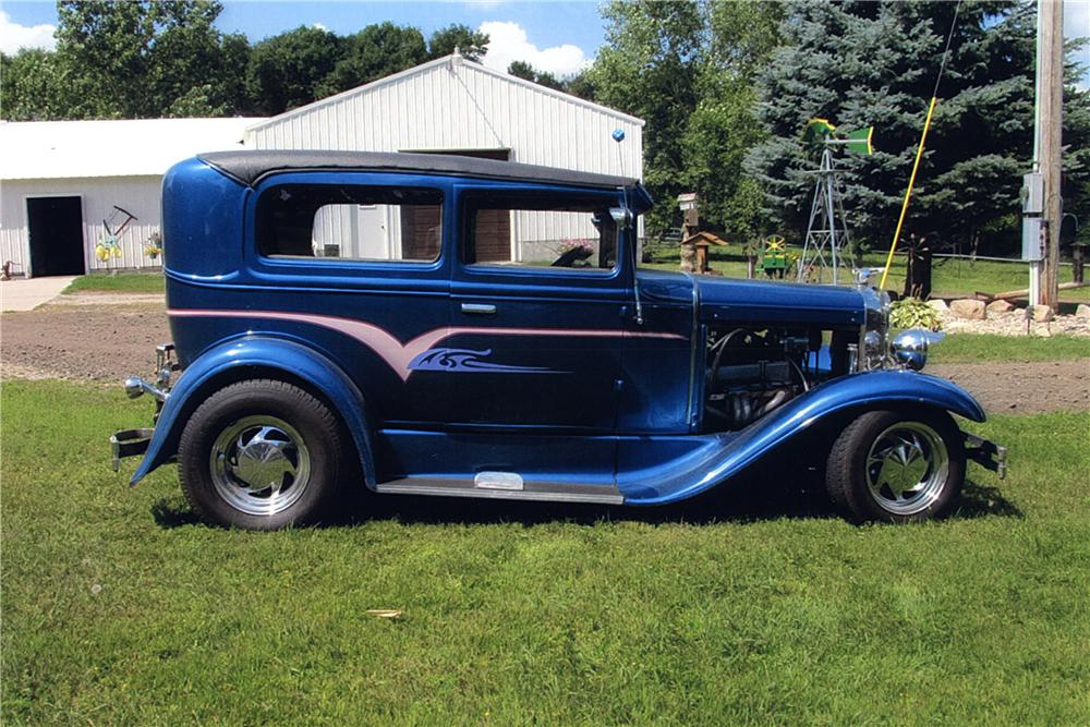 1930 ford custom 2 door sedan 162400