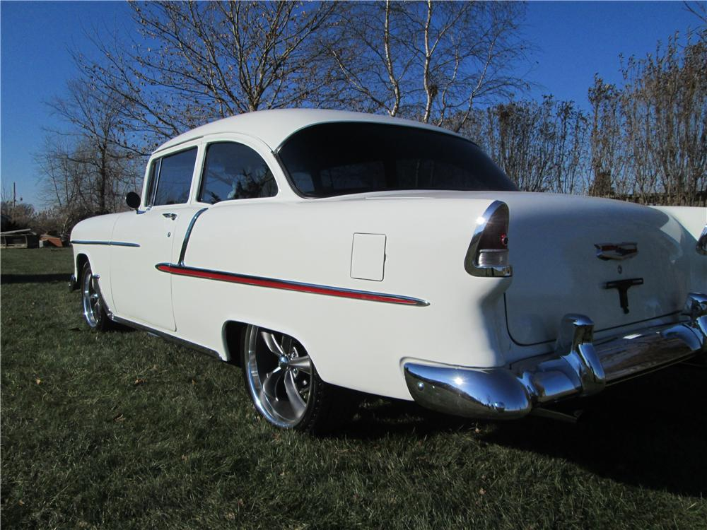 1955 CHEVROLET CUSTOM 2 DOOR SEDAN - Rear 3/4 - 162407