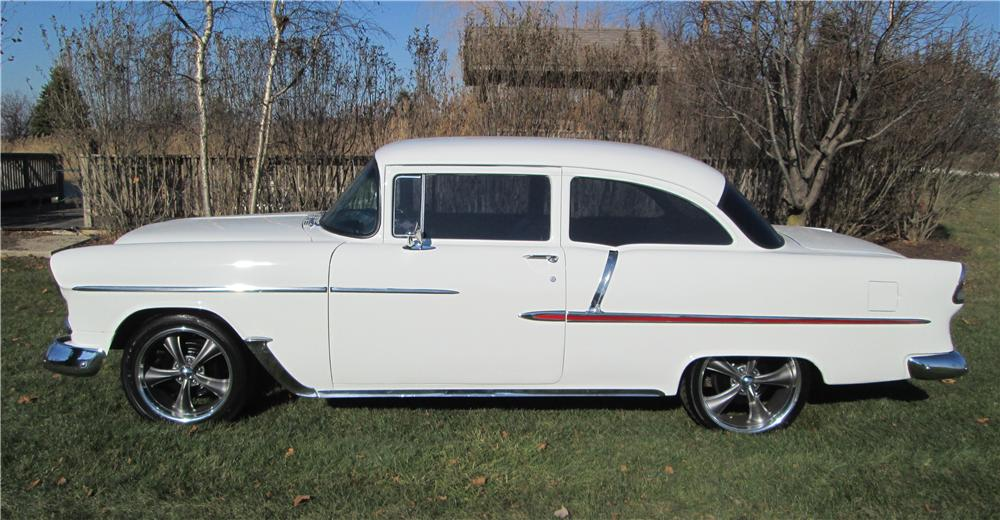 1955 CHEVROLET CUSTOM 2 DOOR SEDAN - Side Profile - 162407