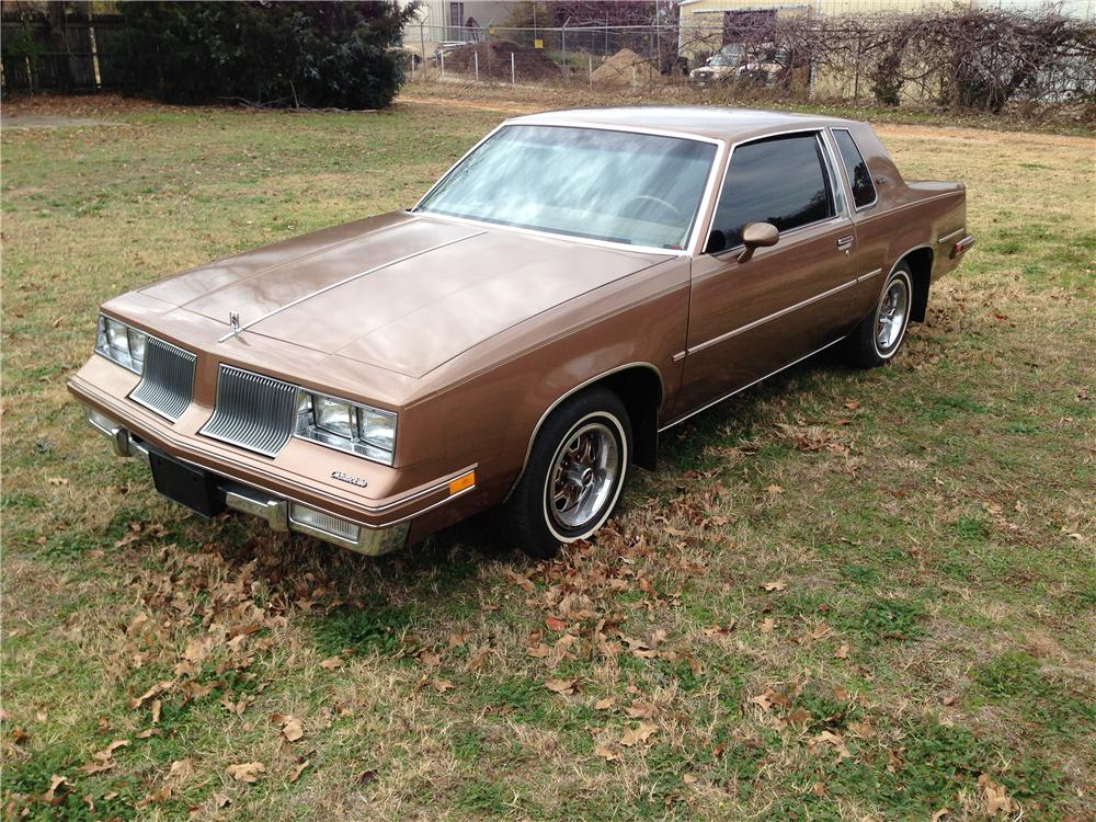 1986 OLDSMOBILE CUTLASS 2 DOOR COUPE - Front 3/4 - 162424