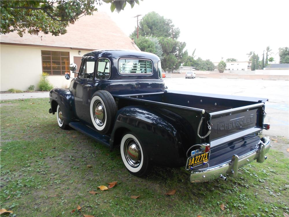 1952 CHEVROLET 5 WINDOW PICKUP - Rear 3/4 - 162432