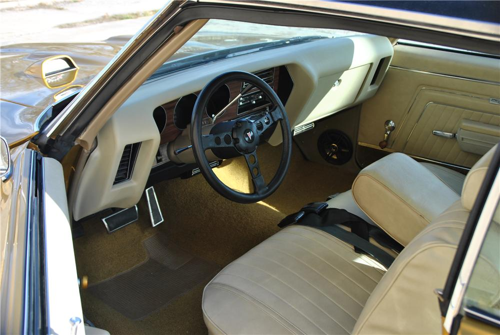1970 PONTIAC GTO 2 DOOR COUPE - Interior - 162434