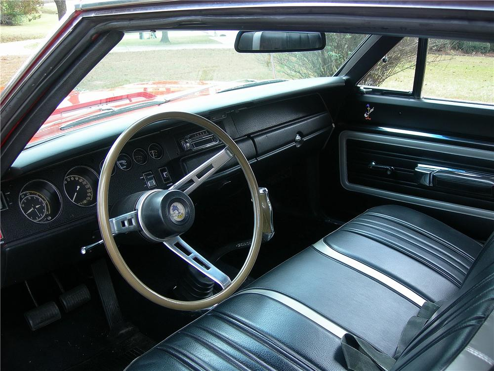 1970 PLYMOUTH ROAD RUNNER 2 DOOR COUPE - Interior - 162437