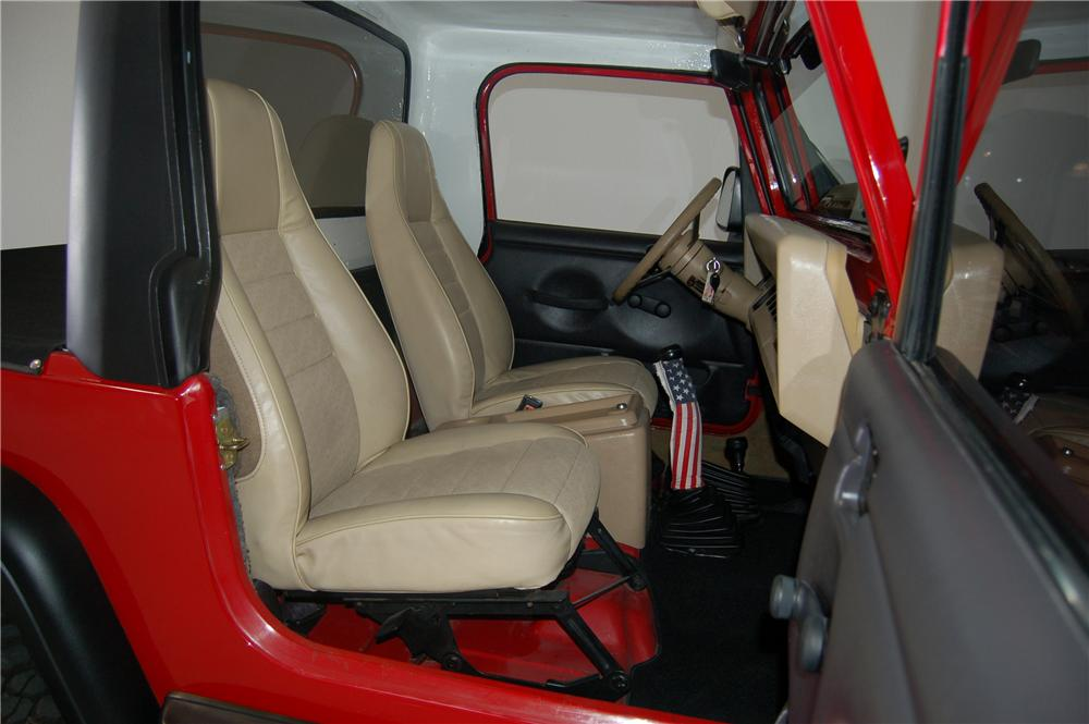 1990 JEEP SCRAMBLER CUSTOM PICKUP - Interior - 162448