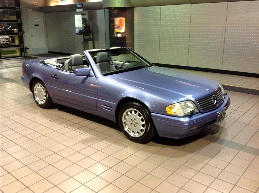 1997 MERCEDES-BENZ SL320 CONVERTIBLE - Front 3/4 - 162452