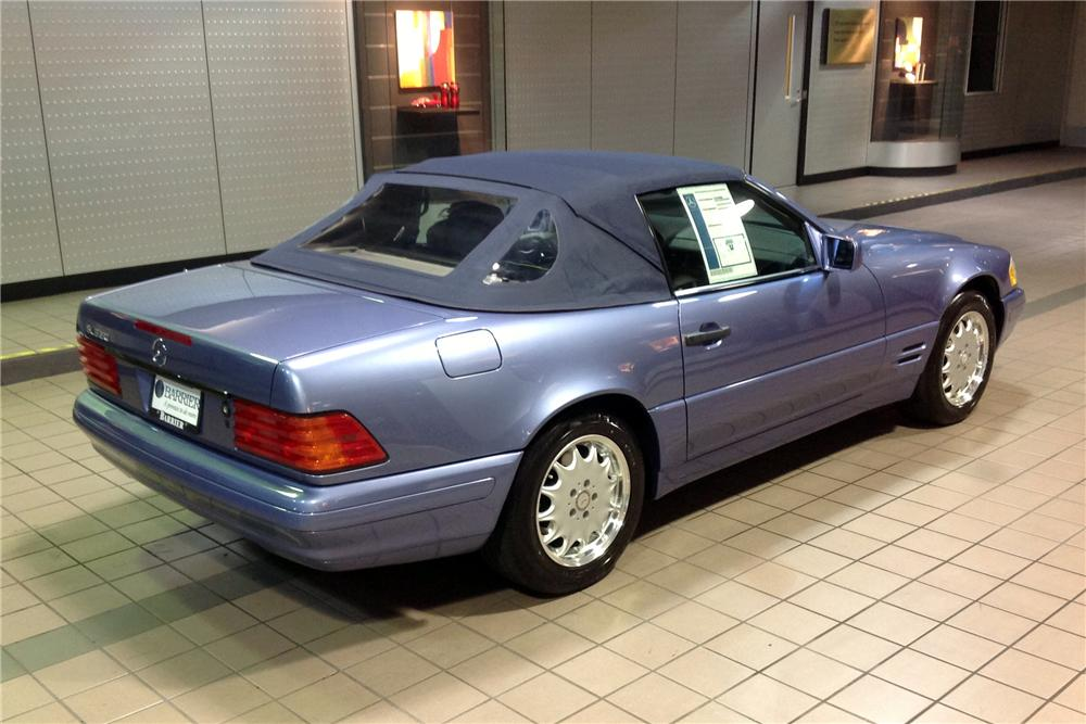 1997 MERCEDES-BENZ SL320 CONVERTIBLE - Rear 3/4 - 162452