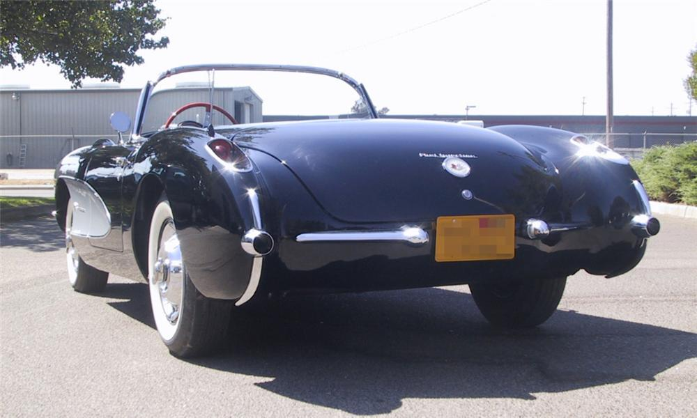 1957 CHEVROLET CORVETTE CONVERTIBLE - Rear 3/4 - 16250