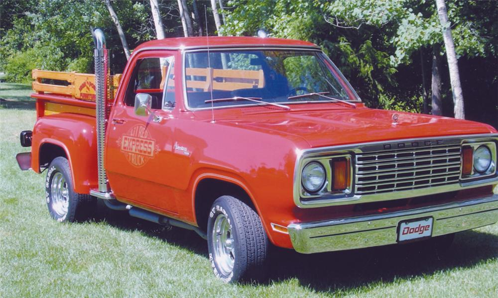 1978 DODGE LIL RED EXPRESS PICKUP - Front 3/4 - 16252