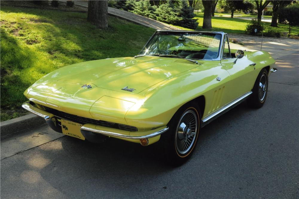 1966 CHEVROLET CORVETTE CONVERTIBLE - Front 3/4 - 162551