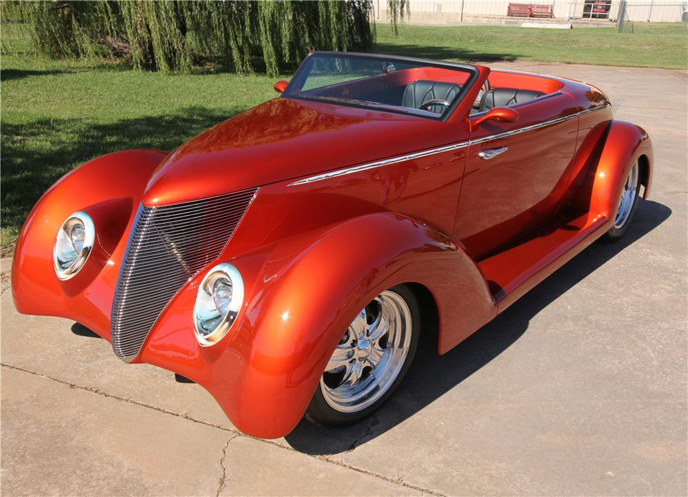 1937 FORD CUSTOM ROADSTER - Front 3/4 - 162632