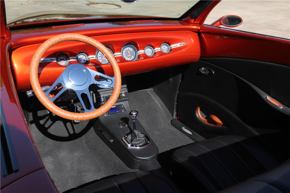 1937 FORD CUSTOM ROADSTER - Interior - 162632