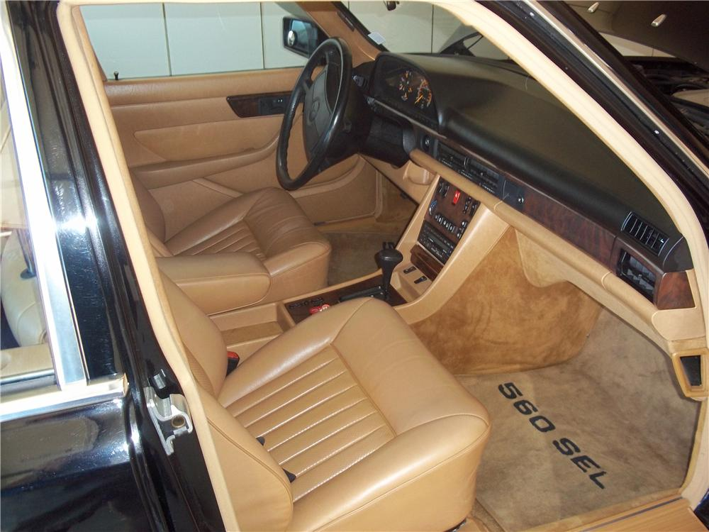 1986 MERCEDES-BENZ 560SEL 4 DOOR SEDAN - Interior - 162636