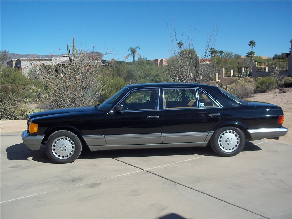 1986 MERCEDES-BENZ 560SEL 4 DOOR SEDAN - Side Profile - 162636