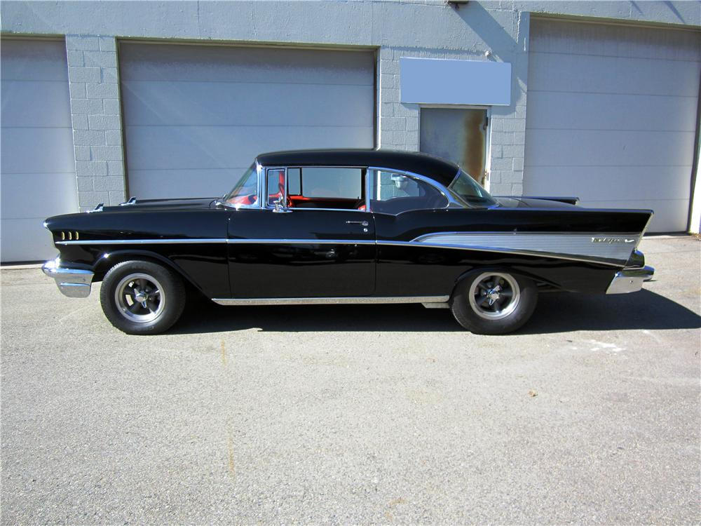 1957 CHEVROLET BEL AIR CUSTOM 2 DOOR HARDTOP - Side Profile - 162670