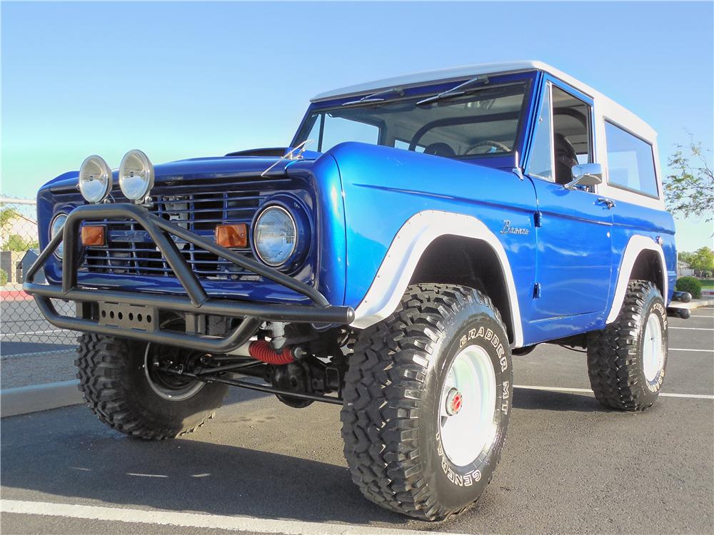 1969 FORD BRONCO CUSTOM SUV - Front 3/4 - 162674