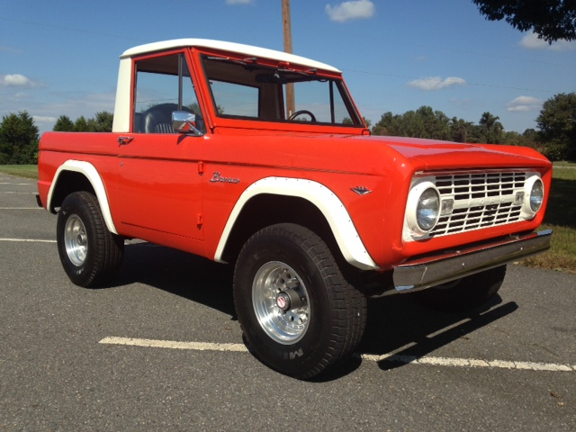 1968 FORD BRONCO  - Front 3/4 - 162698