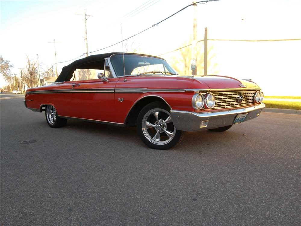 1962 FORD GALAXIE 500 XL CONVERTIBLE - Front 3/4 - 162702