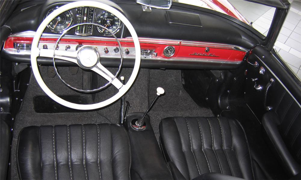 1959 MERCEDES-BENZ 300SL 2 DOOR ROADSTER - Interior - 16278