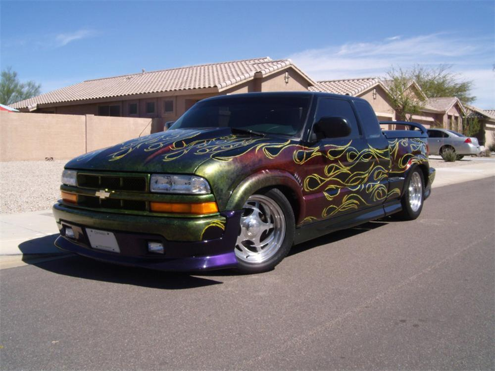 2001 CHEVROLET S-10 CUSTOM PICKUP - Front 3/4 - 162812