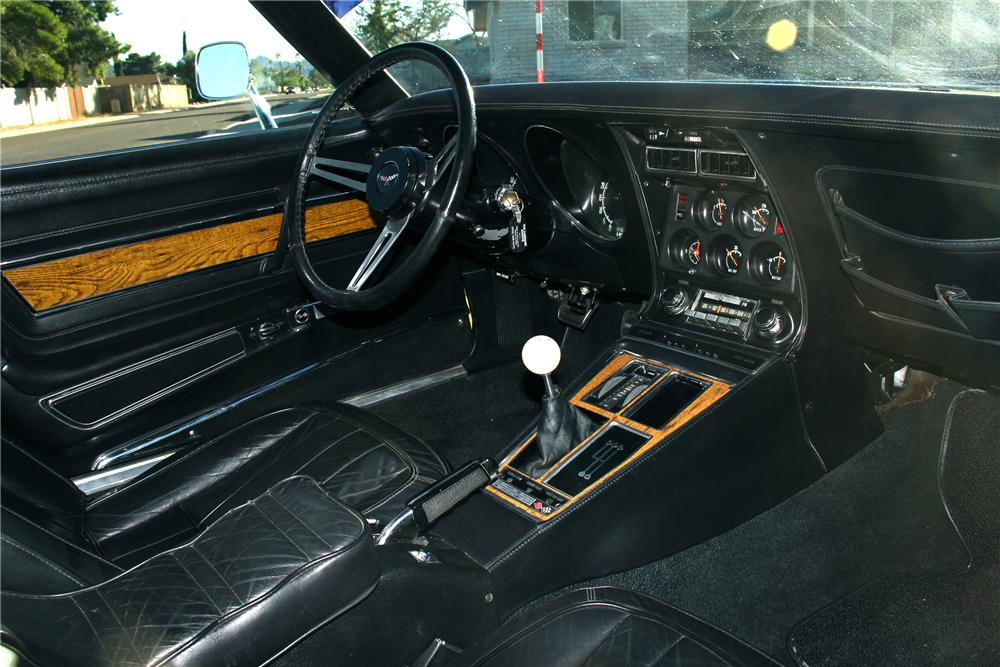1970 CHEVROLET CORVETTE COUPE - Interior - 162828
