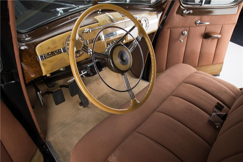 1939 PACKARD SUPER 8 4 DOOR SEDAN - Interior - 162834