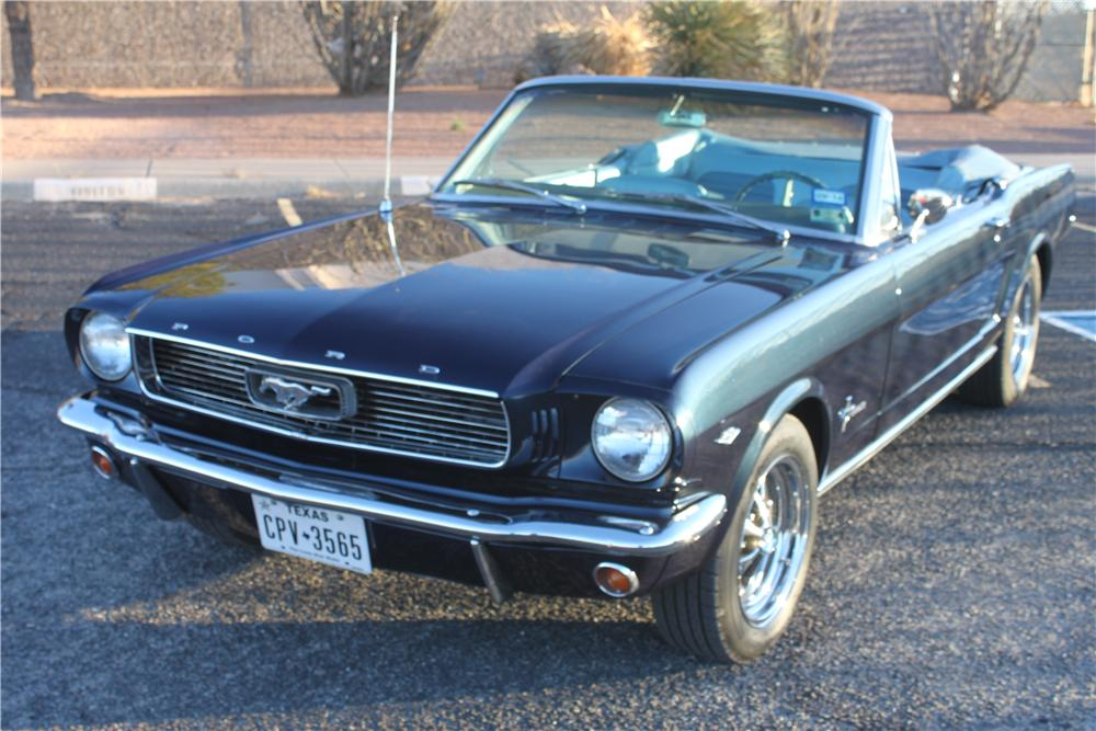 1966 FORD MUSTANG CONVERTIBLE - Front 3/4 - 162840
