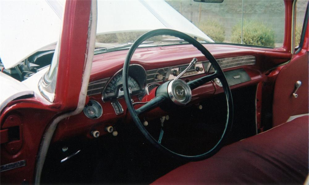 1956 PONTIAC STAR CHIEF SAFARI - Interior - 16288
