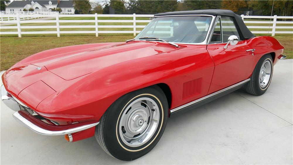 1967 CHEVROLET CORVETTE CONVERTIBLE - Side Profile - 162894