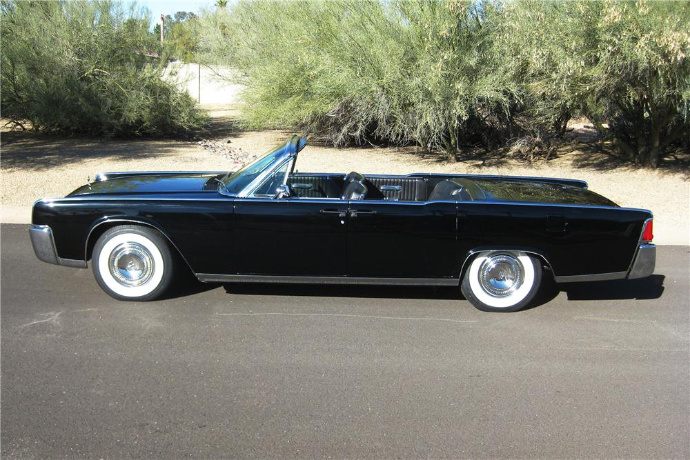 1964 LINCOLN CONTINENTAL CONVERTIBLE - Side Profile - 162906