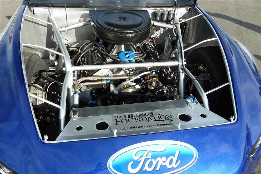 2013 FORD FUSION NASCAR RACE CAR - Engine - 162908