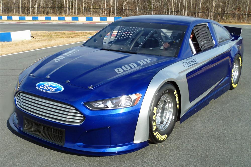 2013 FORD FUSION NASCAR RACE CAR