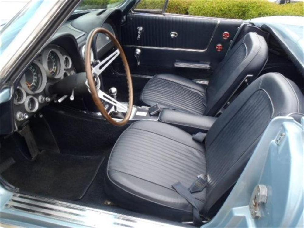1964 CHEVROLET CORVETTE CONVERTIBLE - Interior - 162910