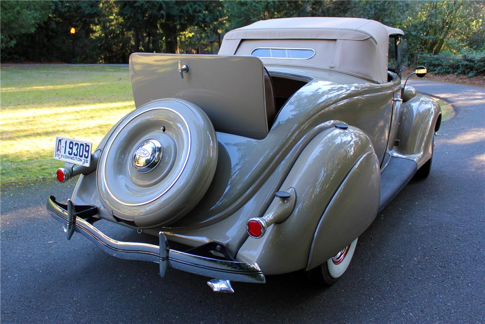 1936 FORD DELUXE ROADSTER - Rear 3/4 - 162969