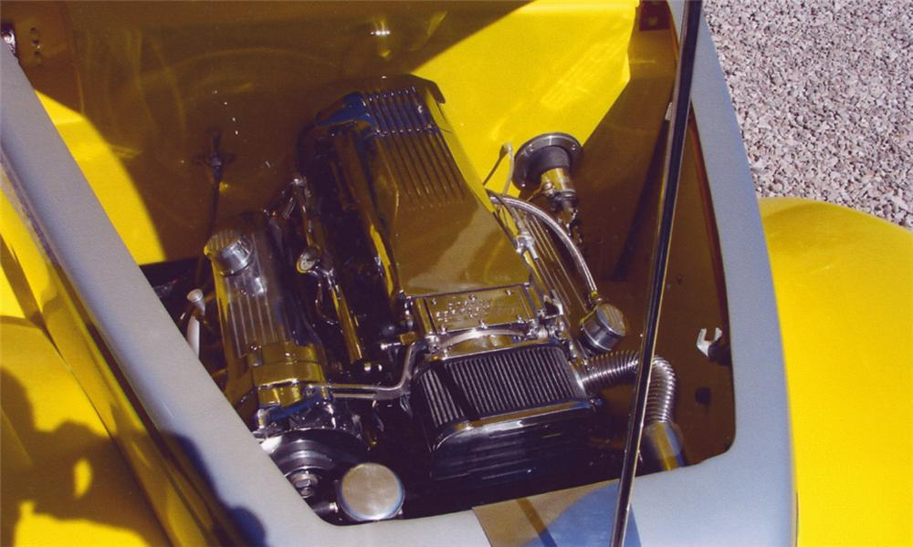1939 FORD CUSTOM CONVERTIBLE - Engine - 16301