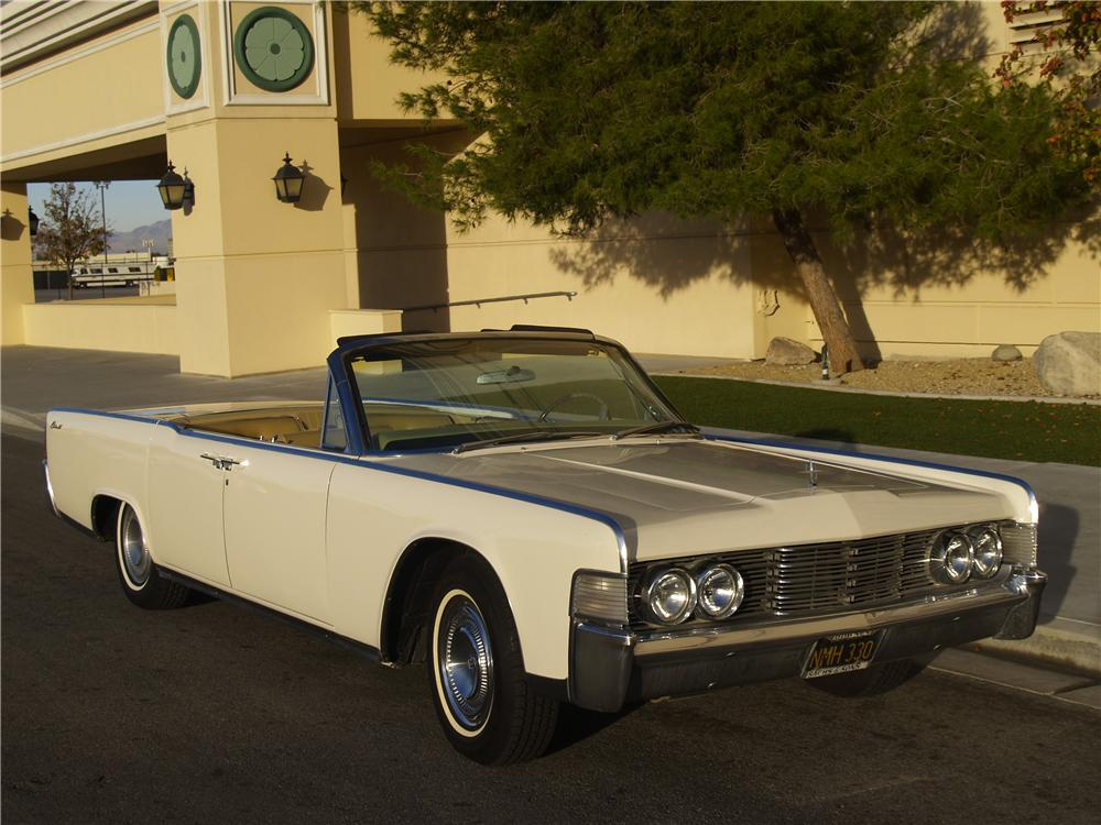 1965 LINCOLN CONTINENTAL CONVERTIBLE - Front 3/4 - 163078