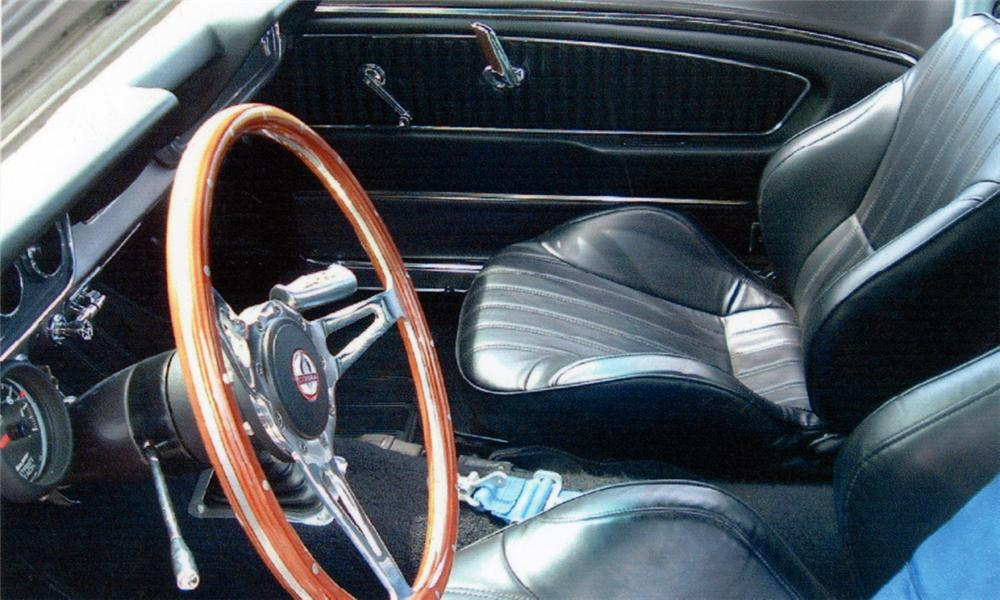 1966 FORD MUSTANG CUSTOM FASTBACK - Interior - 16309