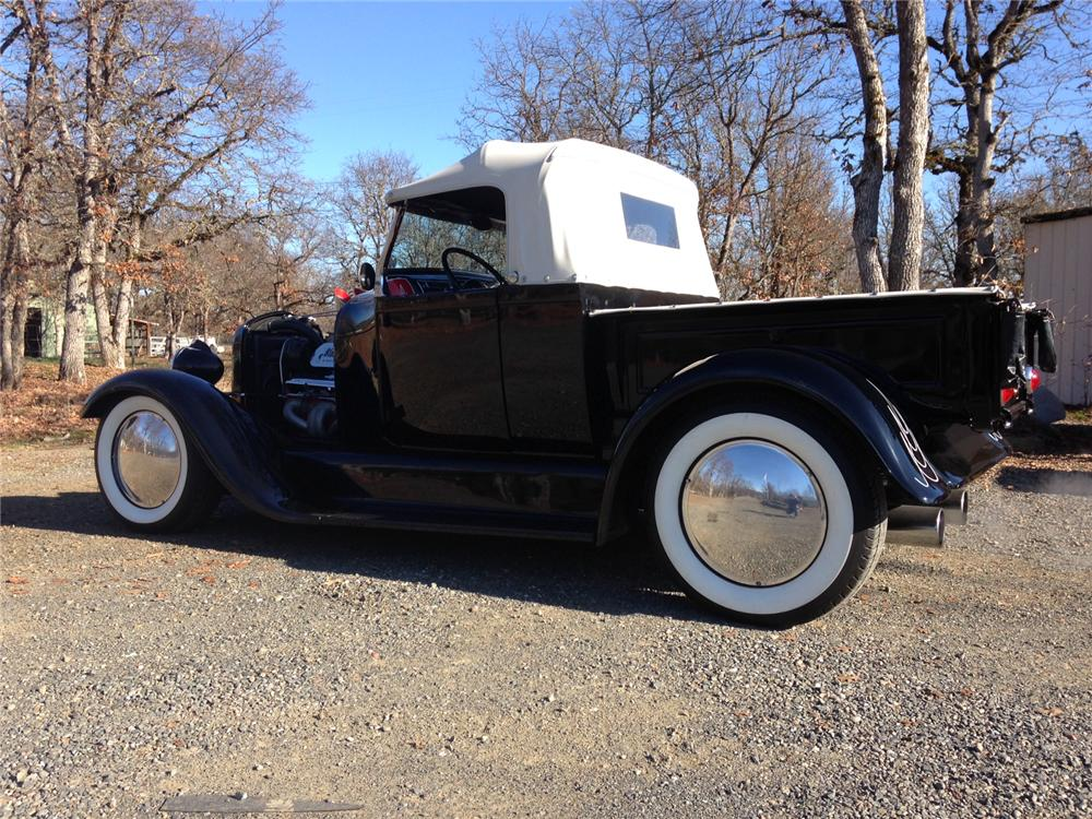 1928 FORD CUSTOM PICKUP - Rear 3/4 - 163141