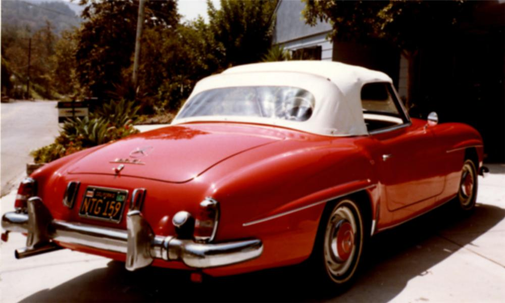 1956 MERCEDES-BENZ 190SL CONVERTIBLE - Rear 3/4 - 16328