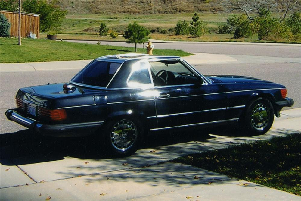 1987 MERCEDES-BENZ 560SL CONVERTIBLE - Rear 3/4 - 16333