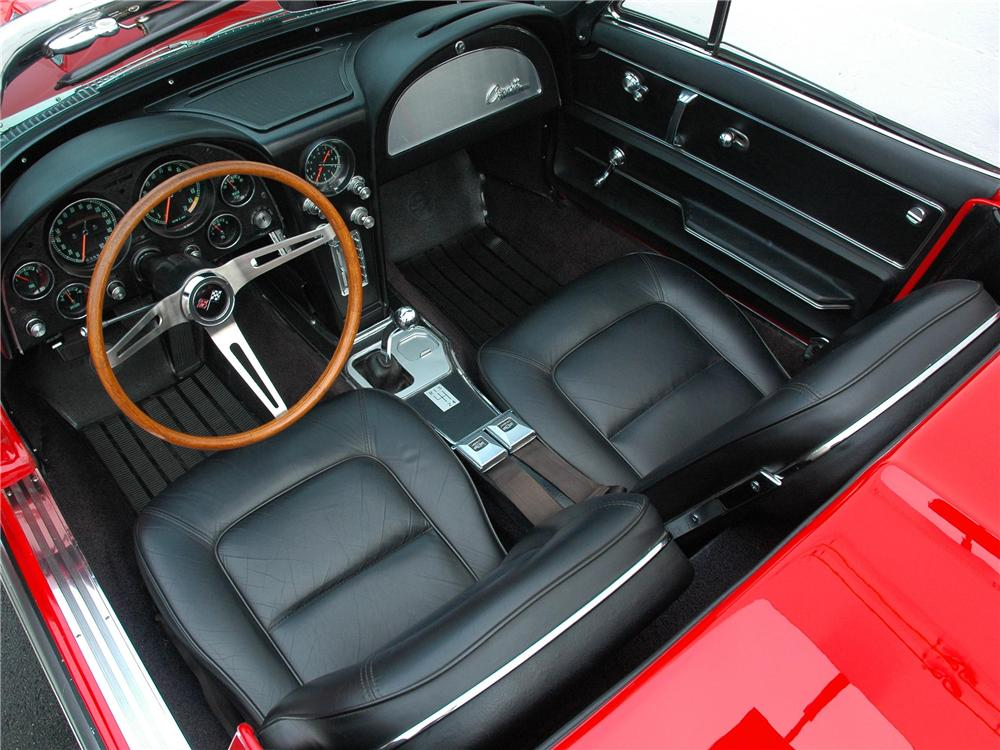 1965 CHEVROLET CORVETTE CONVERTIBLE - Interior - 163397
