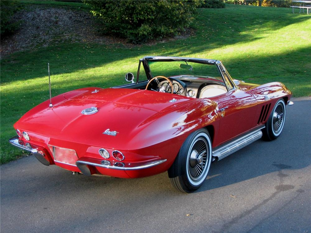 1965 CHEVROLET CORVETTE CONVERTIBLE - Rear 3/4 - 163397