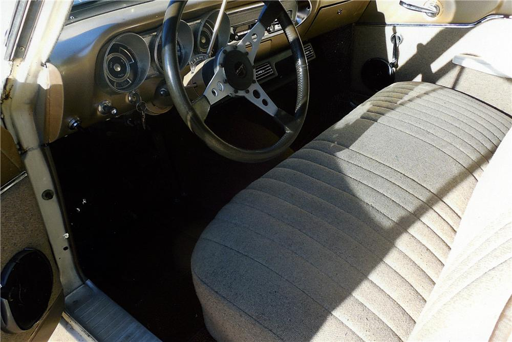 1963 FORD FAIRLANE CUSTOM STATION WAGON - Interior - 163404