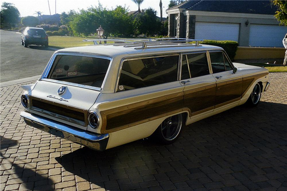 1963 FORD FAIRLANE CUSTOM STATION WAGON - Rear 3/4 - 163404