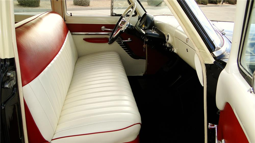 1953 MERCURY MONTEREY WOODY WAGON - Interior - 163436