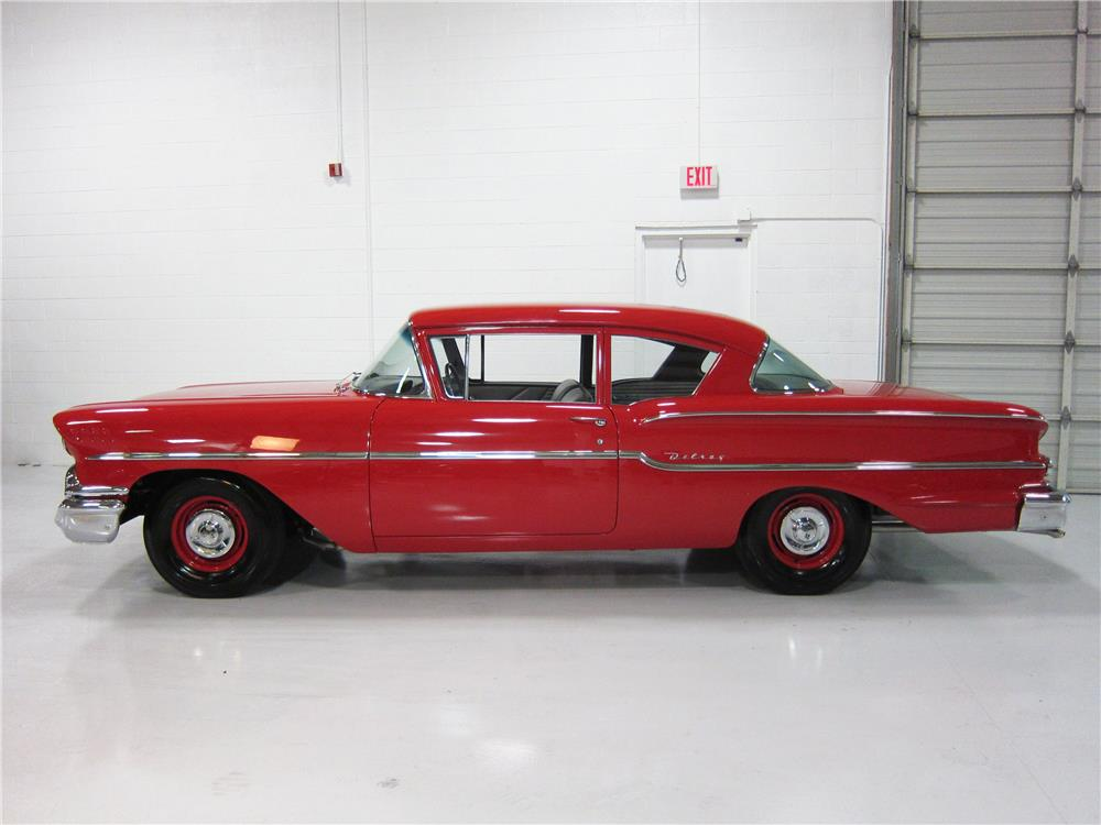 1958 CHEVROLET BISCAYNE 2 DOOR HARDTOP - Side Profile - 163463