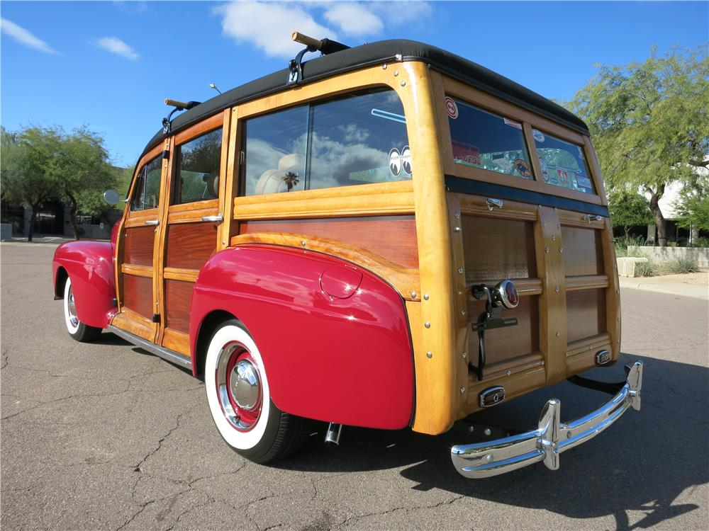 1947 FORD SUPER DELUXE CUSTOM WOODY WAGON - Rear 3/4 - 165473