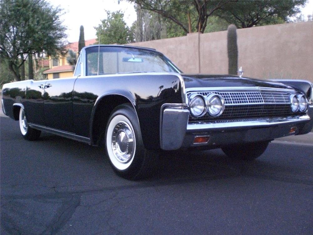 1962 LINCOLN CONTINENTAL 4 DOOR CONVERTIBLE - Front 3/4 - 169714