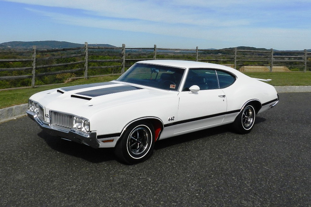 1970 OLDSMOBILE 442 W30 2 DOOR COUPE - Front 3/4 - 170015