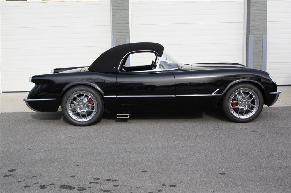 1954 CHEVROLET CORVETTE CUSTOM CONVERTIBLE - Side Profile - 170024