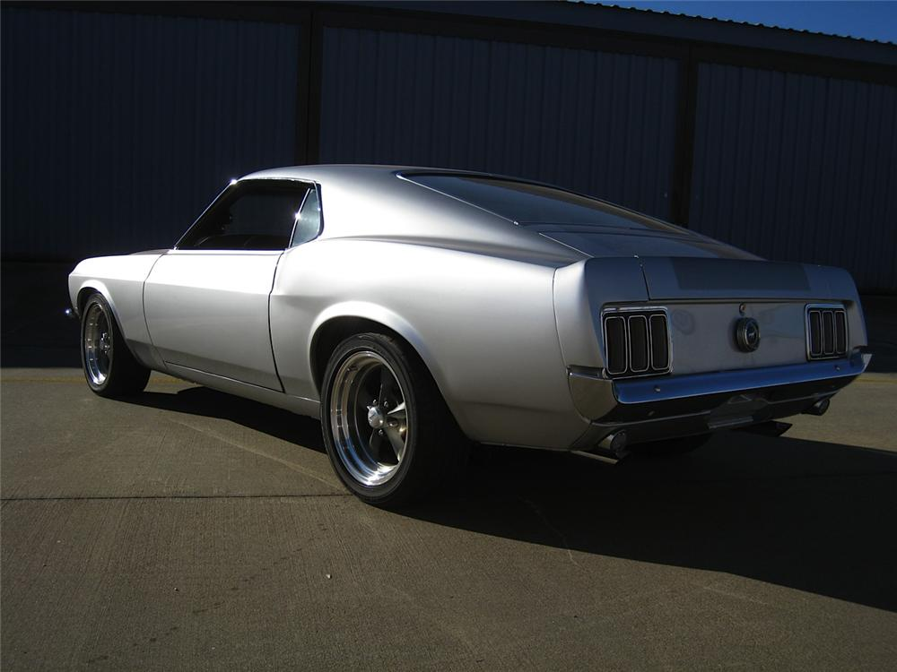 1970 FORD MUSTANG CUSTOM FASTBACK - Rear 3/4 - 170026